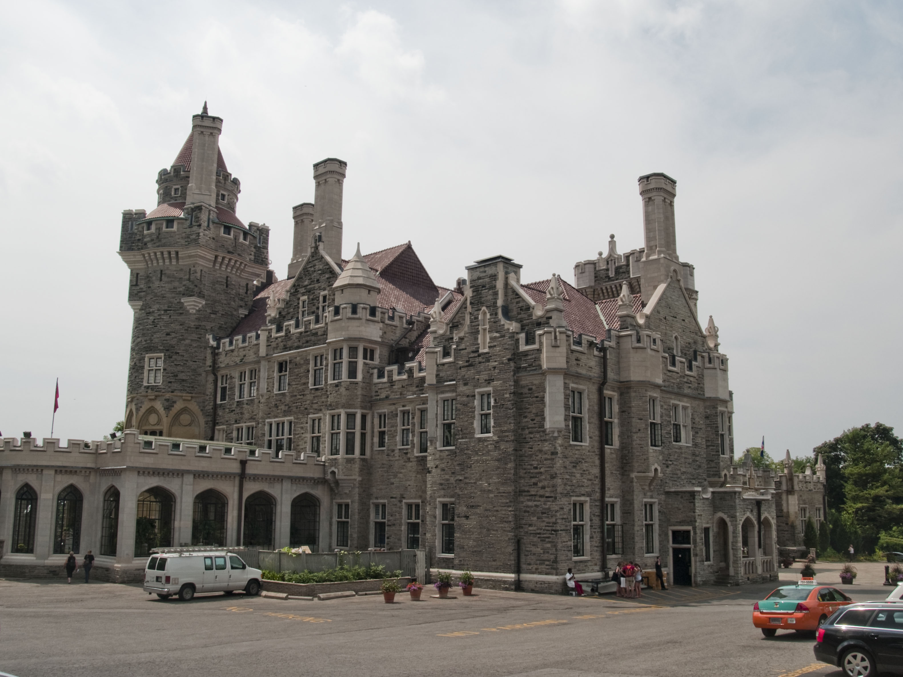 Richardsonian Architectural Style Romanesque Revival Architecture further Post War Modern together with Gothic additionally Beautiful Photos Of Casa Loma Toronto as well Prairie. on gothic revival style house