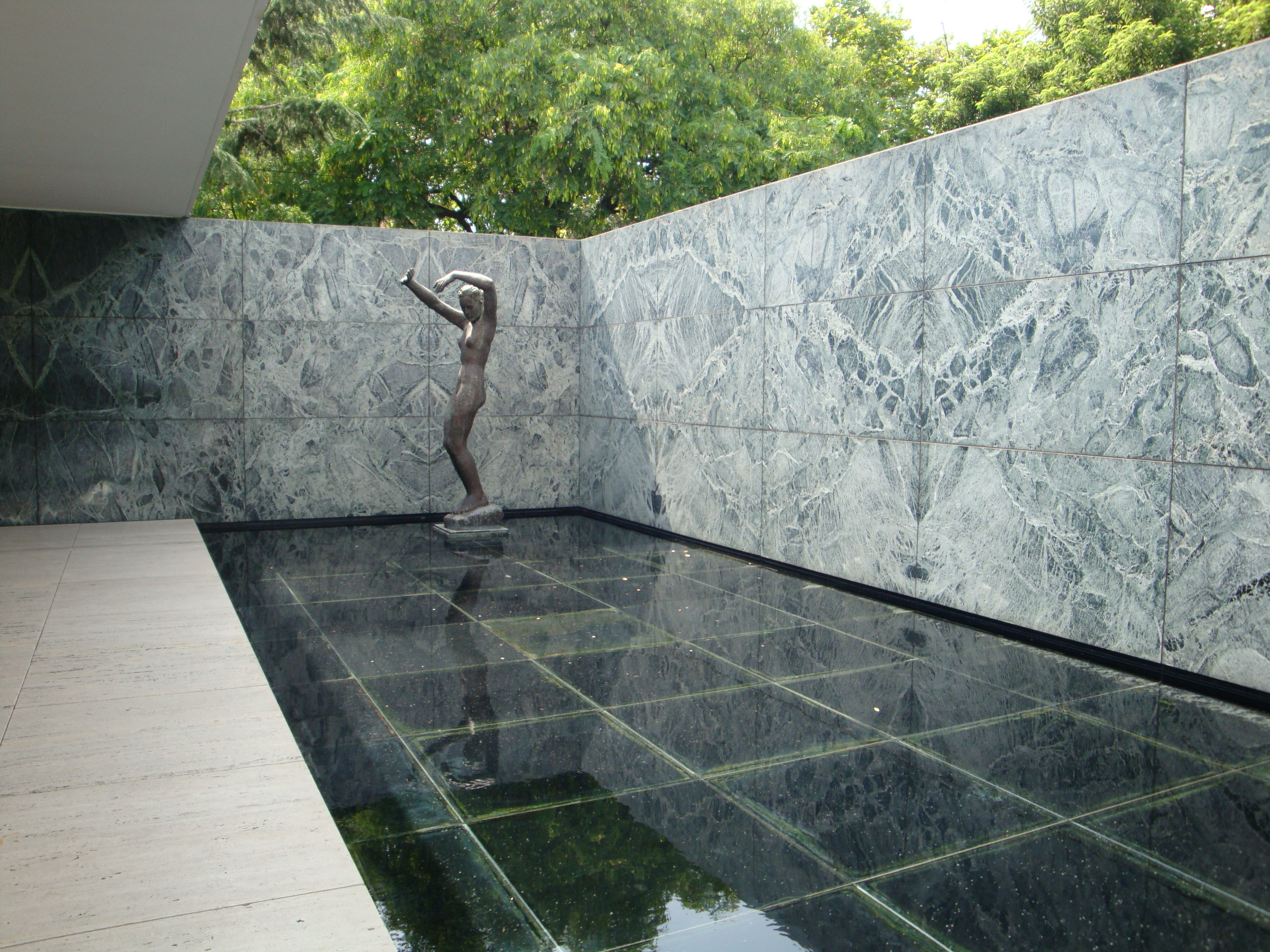 buildings barcelona pavilion. Black Bedroom Furniture Sets. Home Design Ideas
