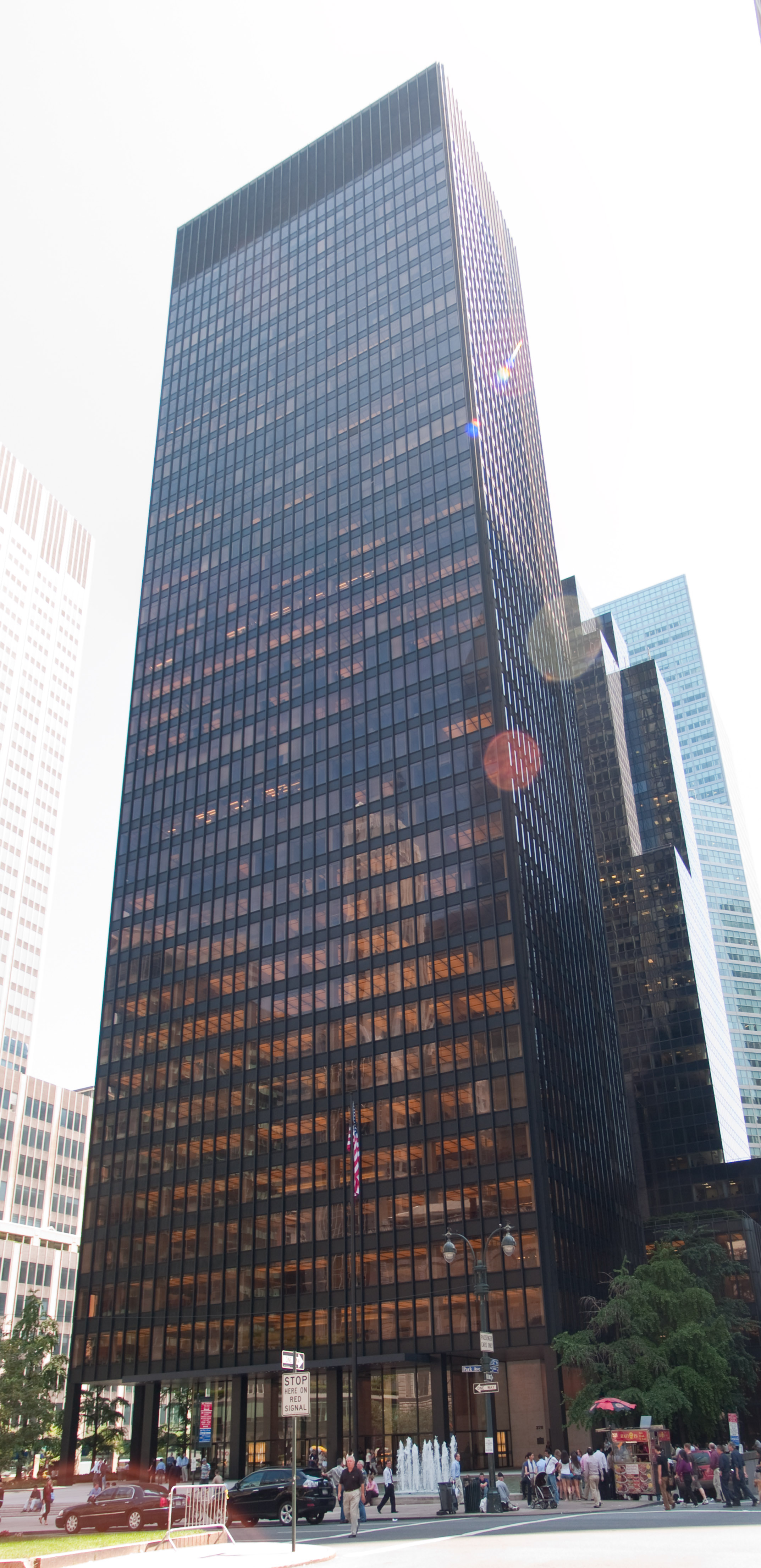 Seagram building ludwig mies van der rohe new york united states
